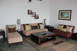 8 Upper Living Area 2